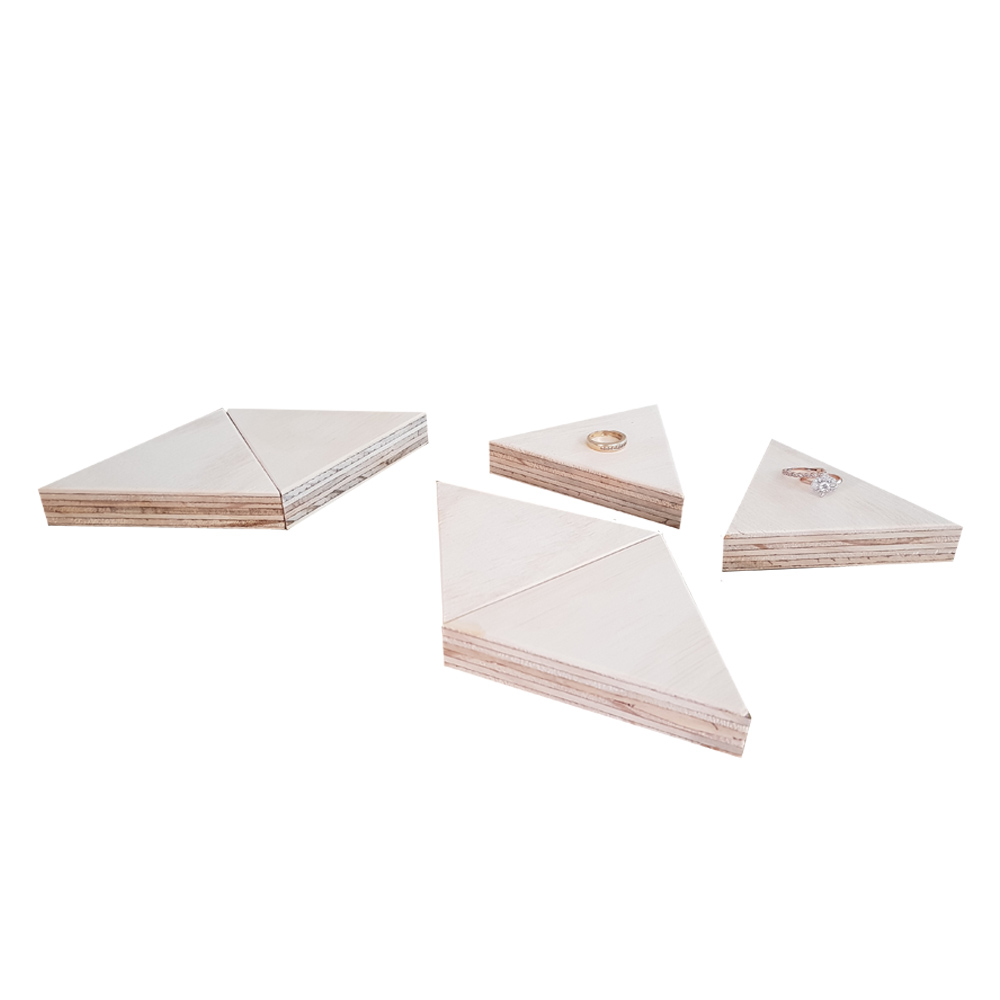 market stall co triangle display blocks with rings