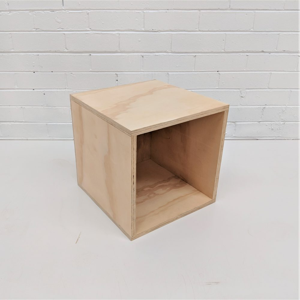 open face box small side view