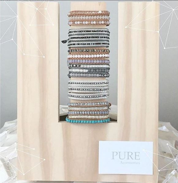 bracelet stand pure accessories